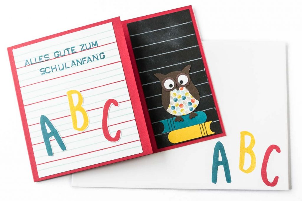 Glückwunschkarte zur Einschulung mit selbstgemachtem Designerpapier, Eulenstanze von Stampin' Up!, mit Umschlag