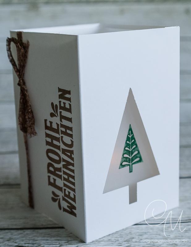So gestaltet Ihr eine weihnachtliche Windlichtkarte mit dem Stempelset Unterm Mistelzweig von Stampin' Up!. Anleitung zum Download auf meinem Blog. #CarosBastelbude