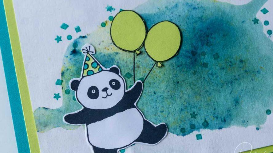 Grußkarte zum Geburstag gestaltet mit dem Stempelset Party-Pandas aus der SAB 2018 und den Brusho Crystal Colour. Stampin' Up! #CarosBastelbude