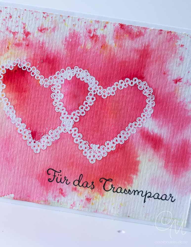 Grußkarte zur Hochzeit gestaltet mit dem Stempelset Heart Happiness und den Brusho Crystal Colours von Stampin' Up! #CarosBastelbude