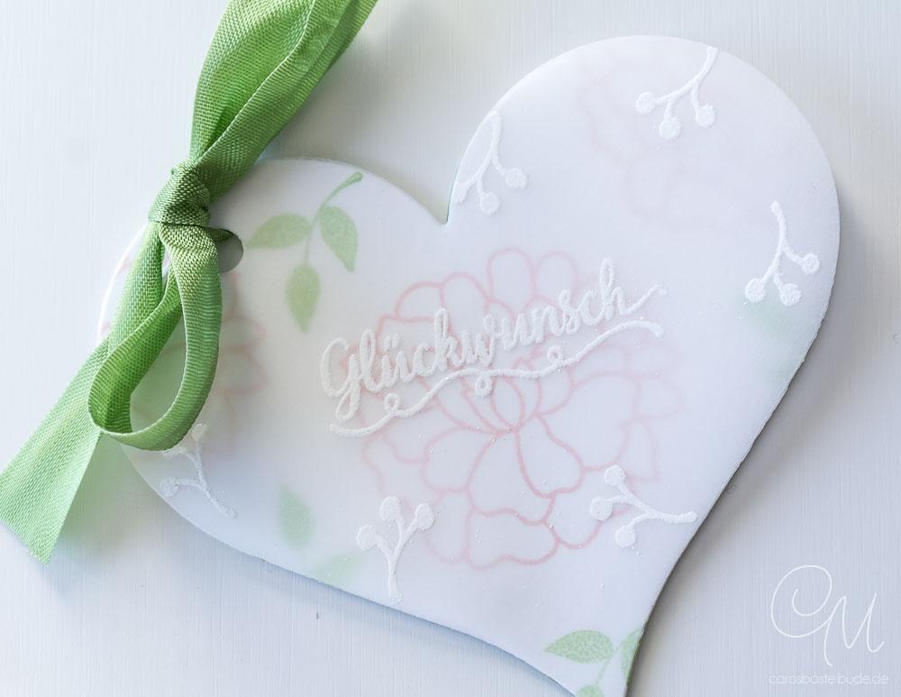 Grüße zur Hochzeit in Herzform, gestaltet mit dem Stempelset Für Immer und den Framelits Von Herz zu Herz von Stampin' Up! #CarosBastelbude