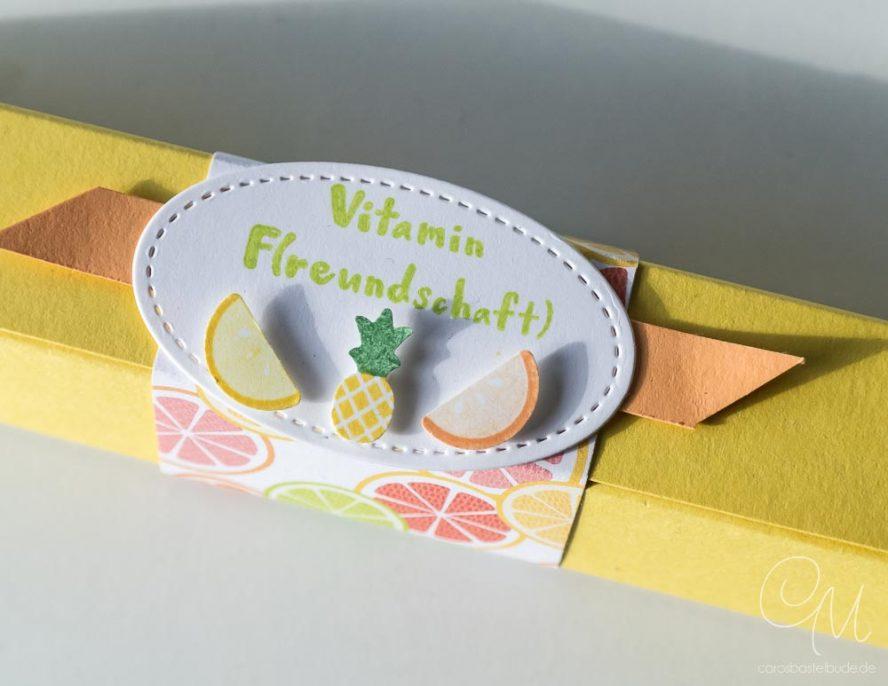 Selbstschließende Box gestaltet mit dem Produktpaket Gute-Laune-Korb von Stampin' Up! #CarosBastelbude
