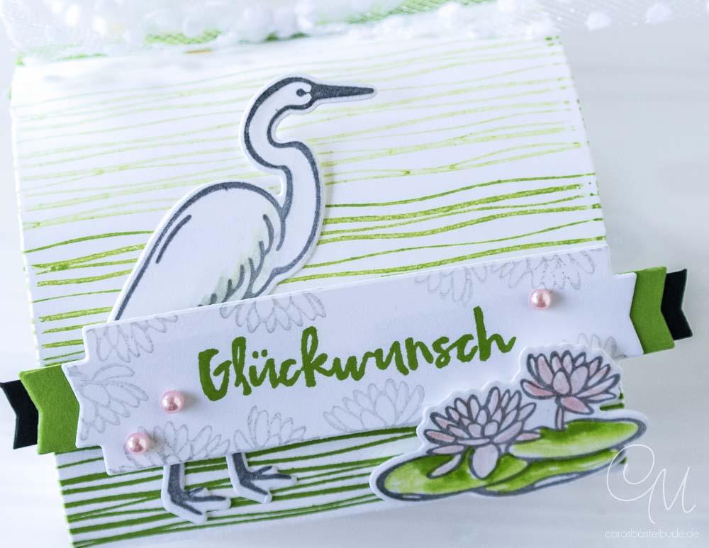 Nahaufnahme Geschenkverpackung gestaltet mit dem Stempelset Am Seerosenteich von Stampin' Up! #CarosBastelbude