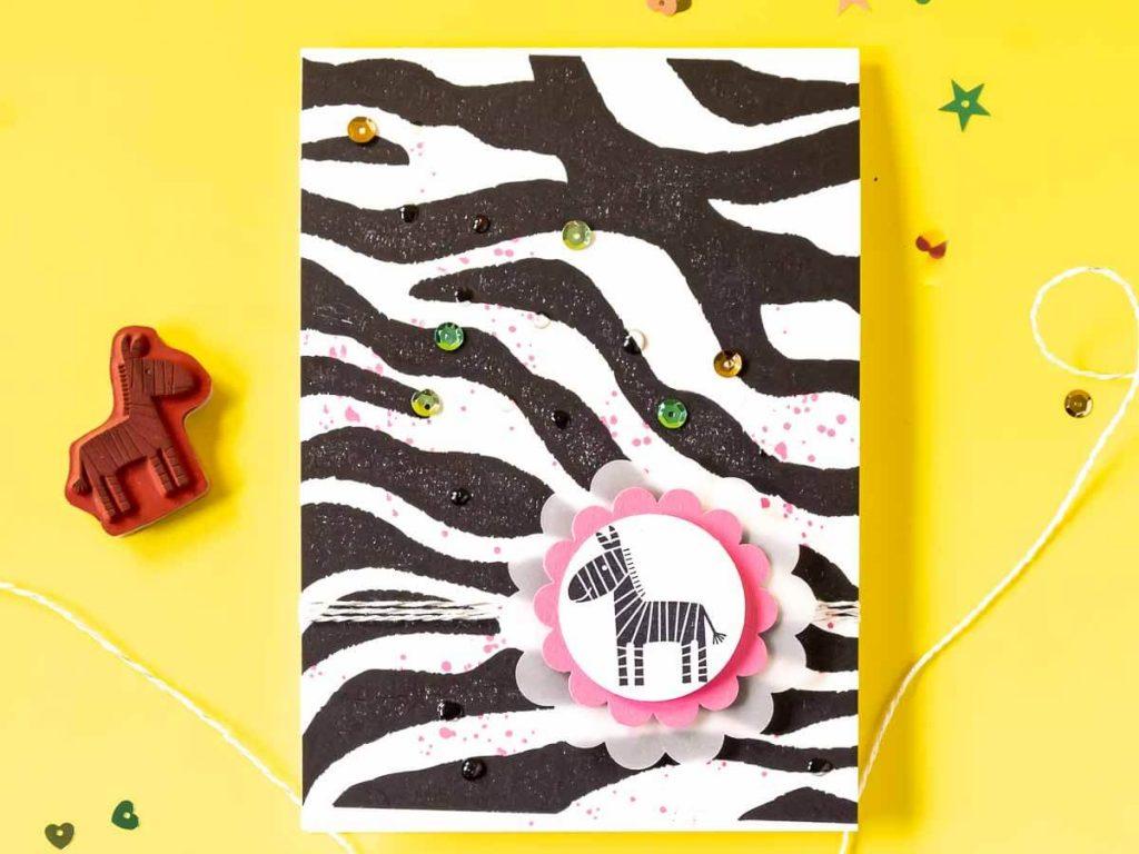 Glückwunschkarte im Zebra Look gestaltet mit den Stempelsets Zoo Babies und It's Wild von Stampin' Up!